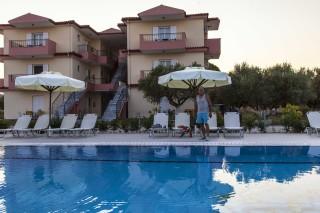 facilities nautilus hotel pool